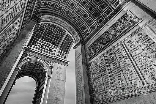 Arc de Triomphe de l'Etoile by Martin Williams