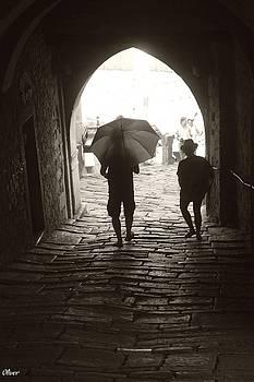Arch in Motuvon by Bill Oliver
