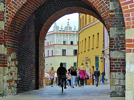 Arch, Lublin, Poland by David Frankel