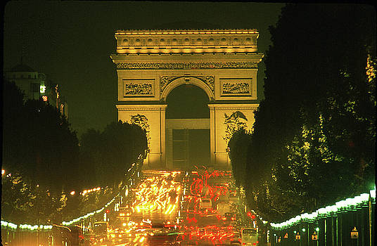 Arch of Triumph in Paris 2 by Carl Purcell