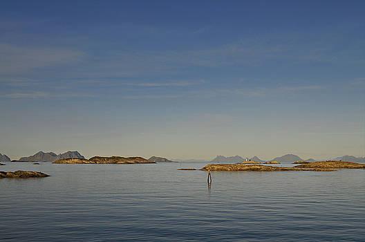 Archipelago near Henningsvaer on Lofoten by Intensivelight