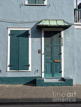 Architecture of the French Quarter in New Orleans by Louise Heusinkveld