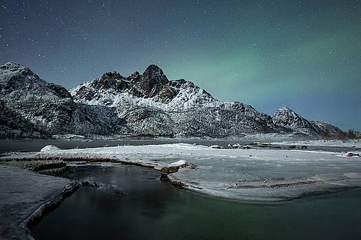 Arctic night II by Frank Olsen