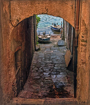 Areaway Alley by Hanny Heim
