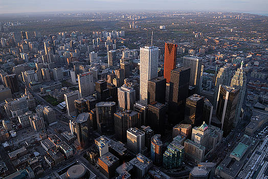 Reimar Gaertner - Arial view of Toronto financial district from the CN tower