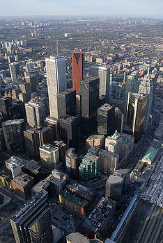 Reimar Gaertner - Arial view of Toronto financial district from the CN tower vertical