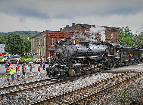 Arrival in Bulls Gap by Earl Carter
