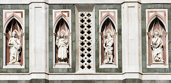 Marilyn Hunt - Art on Duomo in Florence Italy