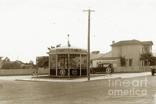 California Views Mr Pat Hathaway Archives - Associated gas station  Munras Avenue and Webster Street, Monterey 1924