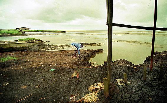 Atlantic Sea shore Ayetoro by Muyiwa OSIFUYE