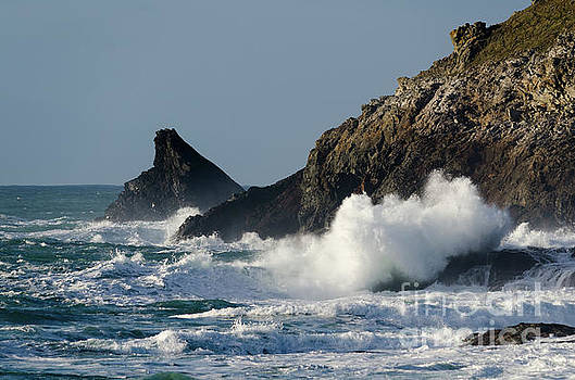 Atlantic splash by Steev Stamford