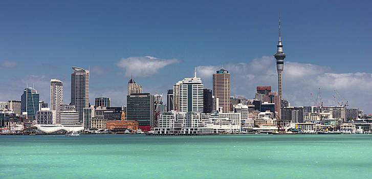 Auckland by Day by Marcel Kaiser