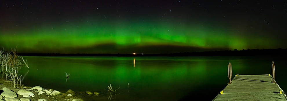 Aurora on the docks by Justin Schmidt