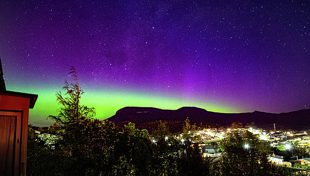 Aurora over Mt Wellington, Hobart by Odille Esmonde-Morgan