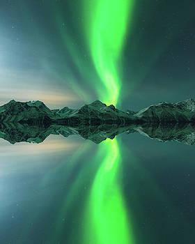 Aurora Powersurge by Tor-Ivar Naess
