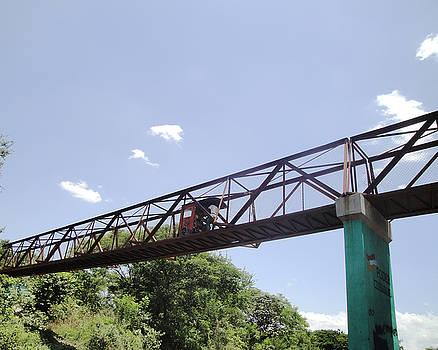 Marvin - Auto Rickshaw on Bridge to La Isla