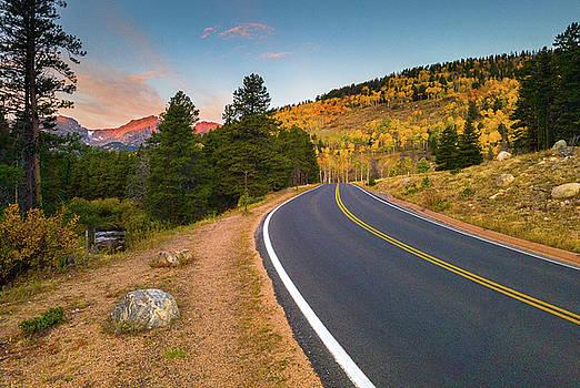 John De Bord - Autumn Along Bear Lake Road