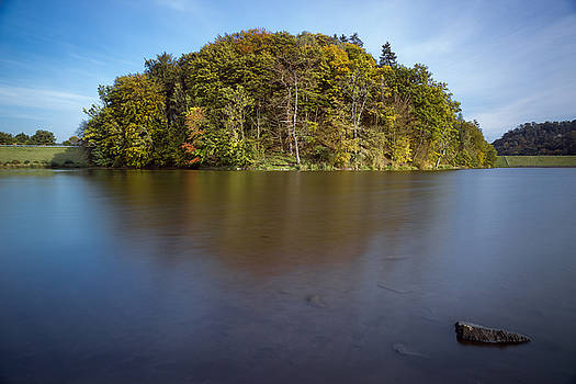 Autumn at the Iberg Dam by Andreas Levi