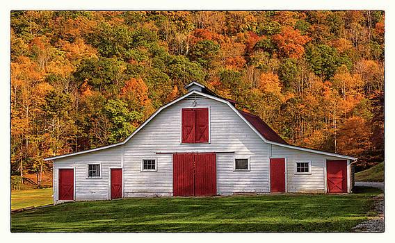 Autumn Barn by Reid Northrup