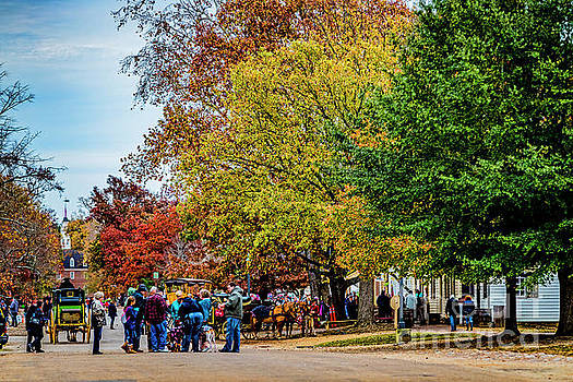 Doug Berry - Autumn Day in Colonial Williamsburg 9575T