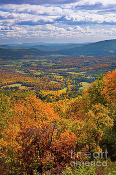 Dan Carmichael - Autumn Fall Colors in the Arnold Valley