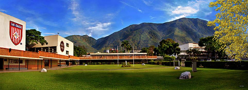 Avila desde Colegio San Ignacio 2 by Bibi Rojas