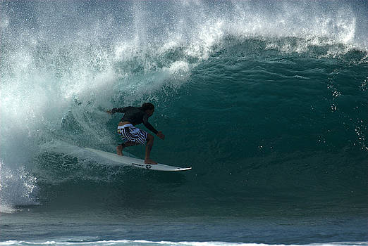 Awesome Barrel at Pipe by Brad Scott