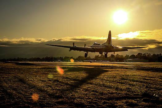 John King - B17 Landing at Livermore