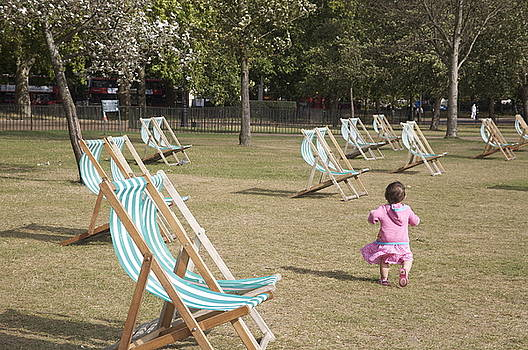 Baby in Hyde park.  by Christopher Rowlands