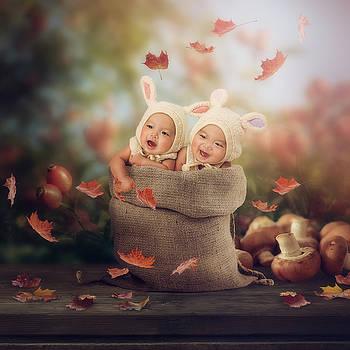 Baby twins by Cindy Grundsten