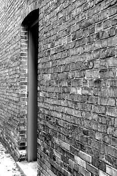 Back Alley 1 by Jan Scholke