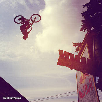 Rasma Bertz - Backflip Descent