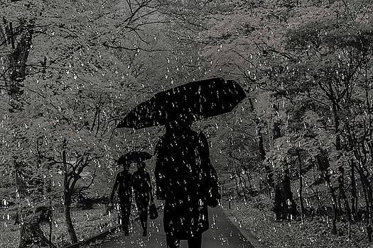 People in the rain by Ivanoel Art