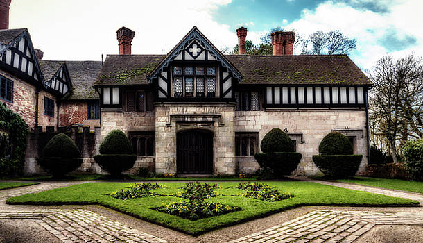 Baddesley Clinton Hall by Nick Bywater