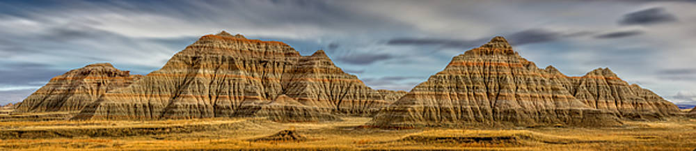 Badlands National Park Rock Formations by Ray Van Gundy
