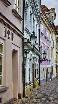 Heather Applegate - Bakeshop Praha