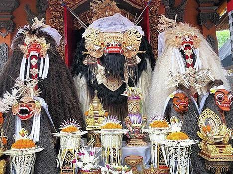 Balinese Life - Mlaspas Ida Sasuhunan by Arya Swadharma