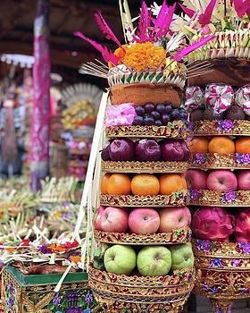 Balinese Life - Penyineban Piodalan by Arya Swadharma