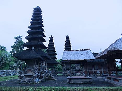 Balinese Temple on side by Exploramum Exploramum