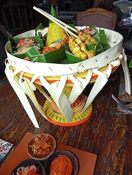 Balinese Traditional Dinner Basket by Exploramum Exploramum