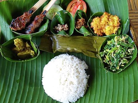Balinese traditional lunch by Exploramum Exploramum