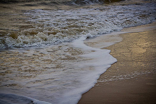 Ballinoulart waves by Alex Leonard