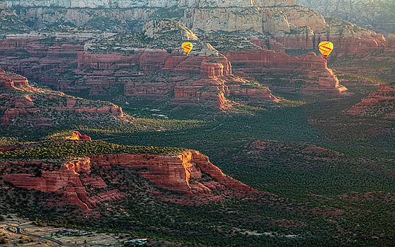 Balloon in sedona by Hyuntae Kim