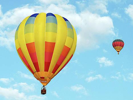 Balloons over Dubai by Graham Taylor
