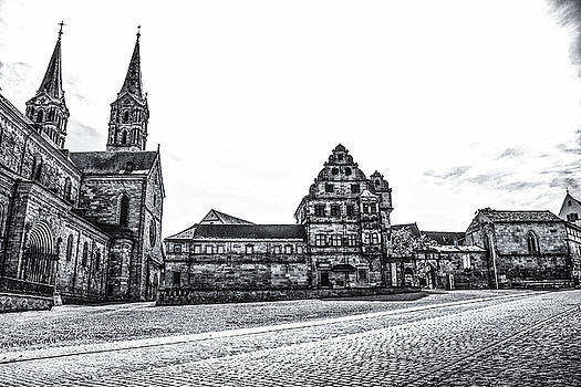 Lisa Lemmons-Powers - Bamberg Cathedral Black and White
