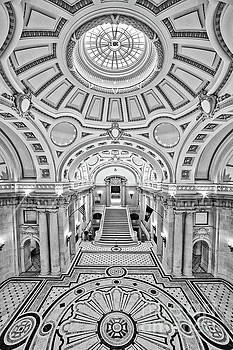 Bancroft Hall bw by Jerry Fornarotto