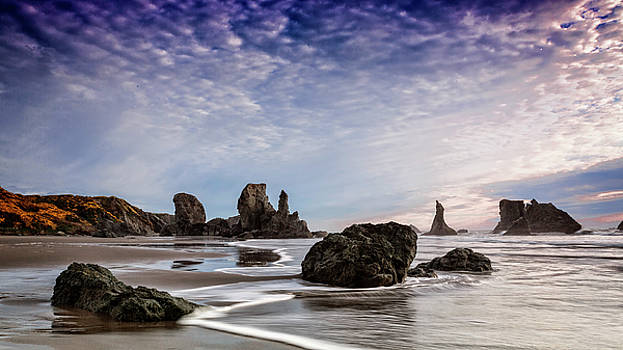 Bandon Sea Stacks by Wes and Dotty Weber