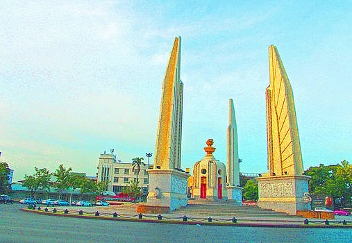 Bangkok Democracy Monument by Russell Pittock