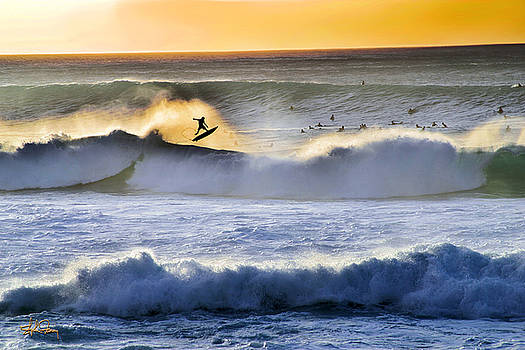 Banzai Pipeline - North Shore by Stephen Fanning