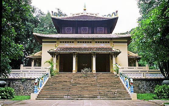 Bao Tang Temple Ho Chi Minh City by Rich Walter